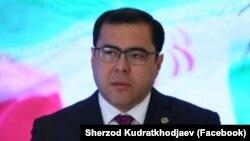Ректор Университета журналистики и массовых коммуникаций, глава Международного пресс-клуба Шерзод Кудратходжаев.
