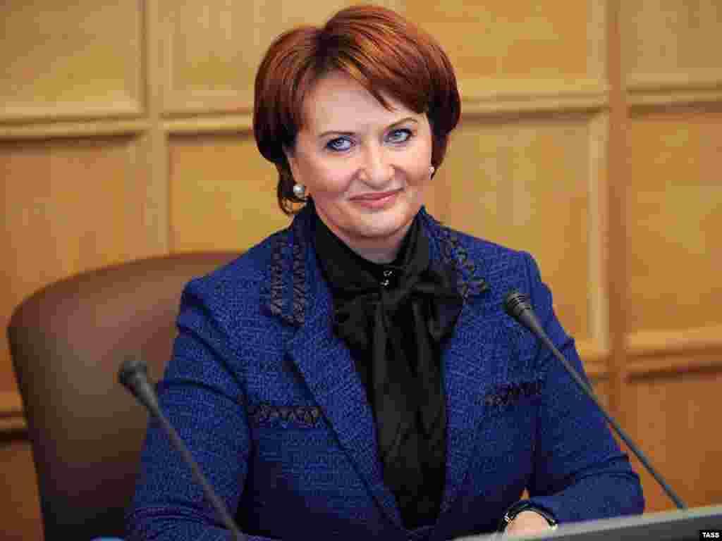 Новый министр сельского хозяйства России Елена Скрынник представлена сотрудникам Минсельхоза РФ