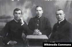 Ксяндзы-беларусы Янка Семашкевіч (Янка Быліна), Адам Станкевіч, Кастусь Стэповіч (Казімір Сваяк)