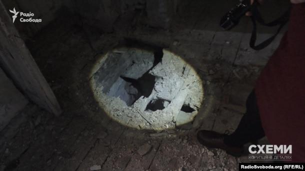 Всередині будинок на Андріївському узвозі, 2 виглядає значно гірше, ніж зовні