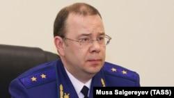 Moscow's chief prosecutor, Denis Popov (file photo)
