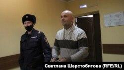 Виктор Гаврилов в здании суда