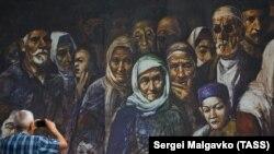 Simferopol, în timpul unor manifestări în memoria tătarilor deportați în 1944. 18 mai 2018