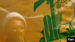 نیویورک تایمز می نویسد که حزب الله شبه نظامیان شیعه را در نزدیکی تهران آموزش می دهد.(عکس: فارس)