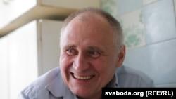 Бывший белорусский политический заключенный Николай Статкевич после освобождения из тюрьмы.