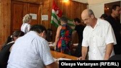 Председатель ЦИК Абхазии на этой неделе подчеркнул, что у каждого гражданина Абхазии есть право выбора и каждый должен сам решать, принимать или не принимать участие в референдуме