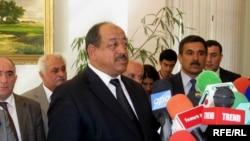 Глава азербайджанской общины Нагорного Карабаха Байрам Сафаров отвечает на вопросы журналистов, Баку, 6 октября 2009