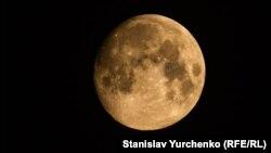 Луна, вид из Земли