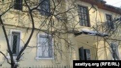 Дом в Алматы, в котором жил Владимир Жириновский.
