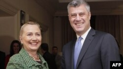 Hillari Klinton deh Hashim Thaçi gjatë një takimi në Bruksel, në dhjetor të vitit 2011
