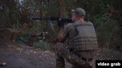 Український військовий в околицях Талаківки