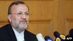 Министр иностранных дел Ирана Манушер Моттаки заявил, что Тегеран будет вынужден прекратить сотрудничество с МАГАТЭ, если вопрос о ядерной программе Ирана будет передан на рассмотрение Совета Безопасности ООН
