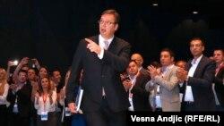 Aleksandar Vučić (na fotografiji) u sredu preuzima funkciju predsednika države, sa njim, slažu se analitičari i koji ga podržavaju i koji ga kritikuju, na Andrićev venac seli se i centar gde će se donositi najvažnije političke odluke