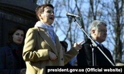 Оксана Забужко, лауреатка Шевченківської премії, виголошує промову на Тарасовій горі у Каневі. 9 березня 2019 року
