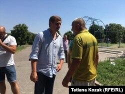 Сергій Шахов на ОВК вже приймає вітання від своїх виборців