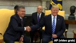 Президентҳои Узбекистон ва Амрико Шавкат Мирзиёев ва Доналд Трамп.