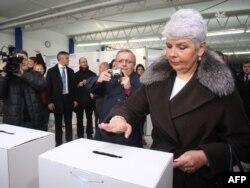Jadranka Kosor glasa na izborima, Zagreb, 4. prosinac 2011.