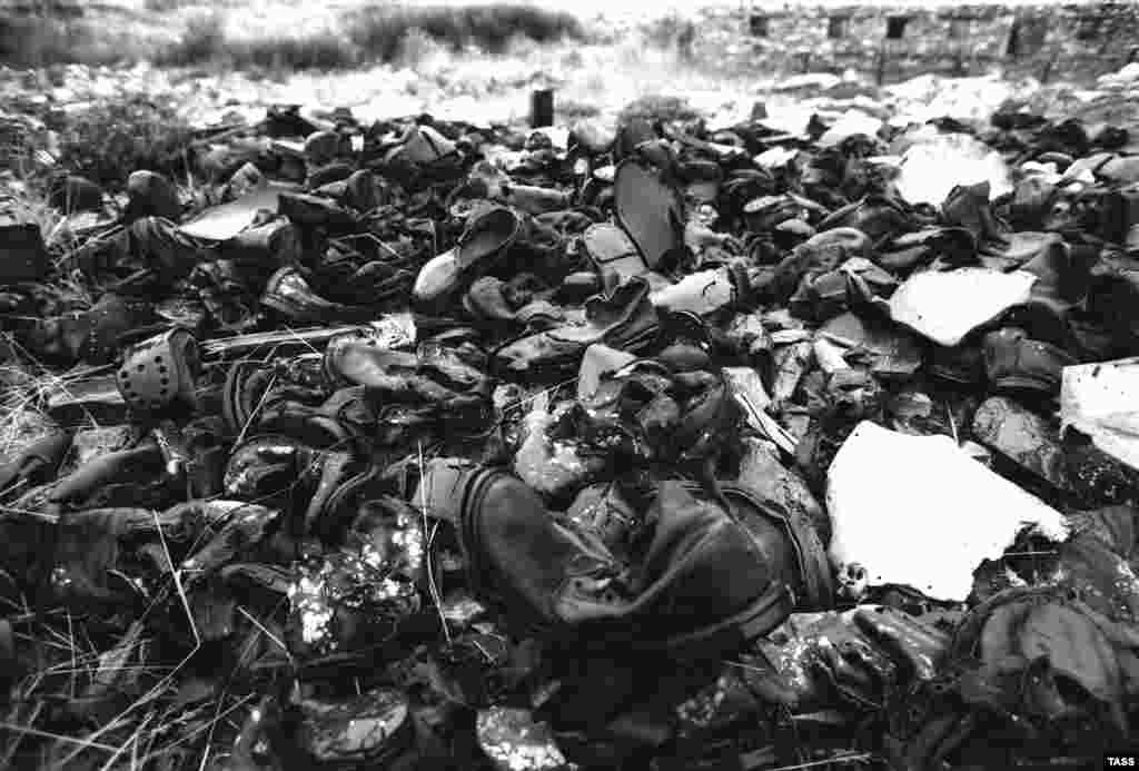 Лагерьлердің бірінде қалған тұтқындардың киімдері.