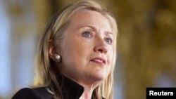 АҚШ-тың мемлекеттік хатшысы Хиллари Клинтон. 29 маусым 2012 жыл.