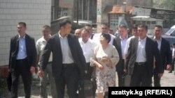 Президент Роза Отунбаева Оштогу элдин көйгөйү менен жеринде таанышты. 30-июль,2010-жыл