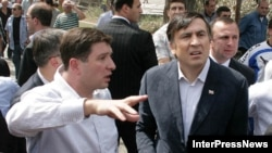 Mixail Saakaşvili Qoriyə də baş çəkib, 25 avqust 2008