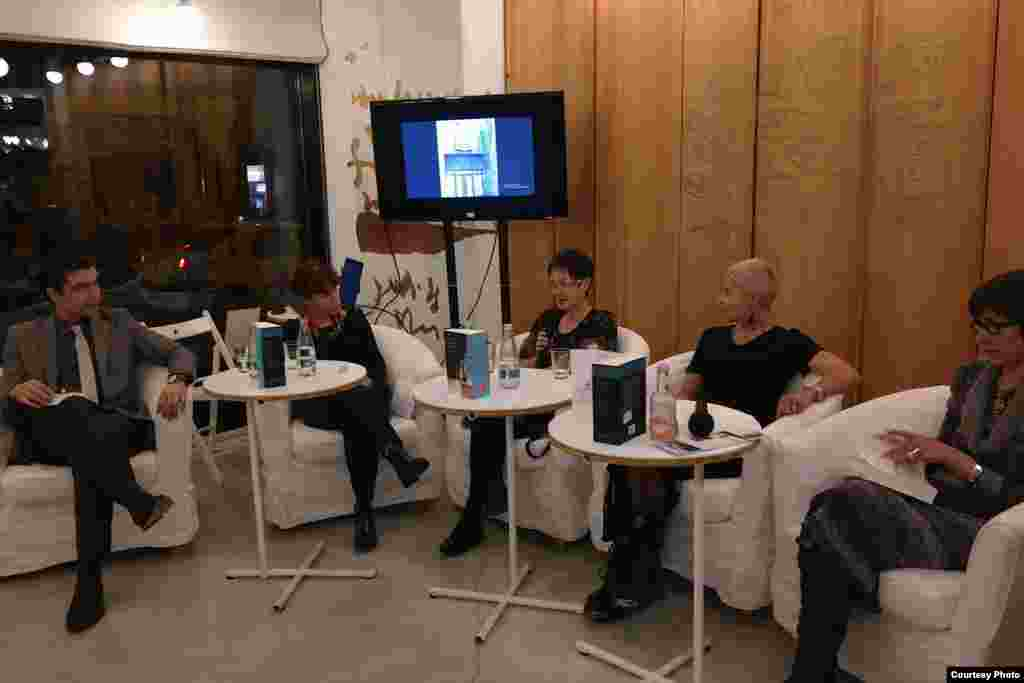 Cristian Leonte (Pro TV), Alina Inayeh (Black Sea Trust), Tania Radu, Sabina Fati, Lidia Bodea, directoarea generală a editurii Humanitas.