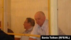 Серік Сапарғали мен Владимир Козлов сотта отыр. Ақтау, 16 тамыз 2012 жыл.