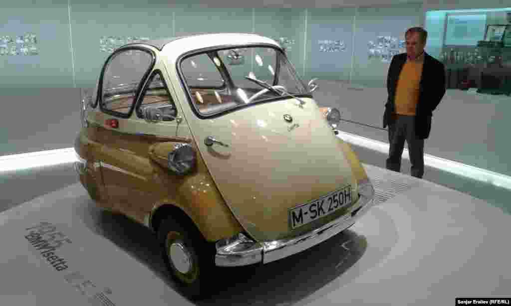 1955 року випуску – BMW Isetta