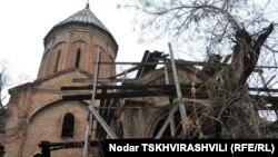 На протяжении пяти лет состояние древних церквей и храмов, предположительно принадлежавших Армянской апостольской церкви, ухудшалось, многим из них сегодня и вовсе грозит разрушение