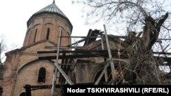 Армянские церкви – неотъемлемая часть тбилисской архитектуры. Храмы, построенные столетия назад, важны не только для представителей армянской диаспоры, но и являются памятниками культурного наследия Грузии
