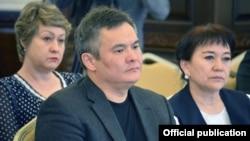 Депутаты Марат Аманкулов, Айнуру Алтыбаева и Альфия Самигуллина.