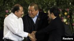 Слева направо - Ортега, Чавес, Ахмадинежад