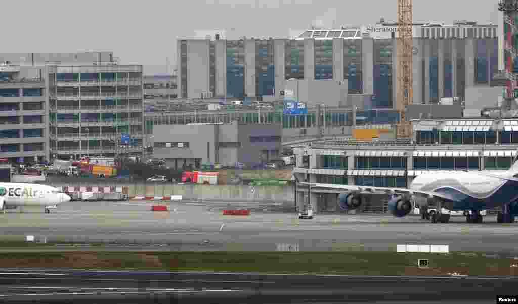 Brüsseldə partlayış baş vermiş Zavantem hava limanı