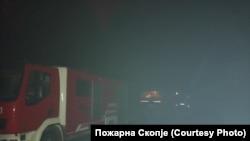 Екипи на Пожарна Скопје им помагаат на своите колеги во Пехчево и Делчево каде што има пожари.