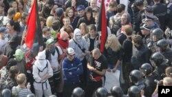 Милиция блокирует студентов, протестующих в центре Киева