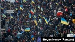 Шеруге шыққан халық. Киев, 3 желтоқсан 2013 жыл.