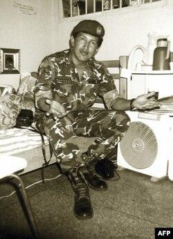Арестованный подполковник Уго Чавес в камере тюрьмы Сан-Франсиско-де-Яре, после провала военного переворота в 1992 году