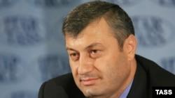 В 2011 году у Южной Осетии будет новый президент. Этот своеобразный новогодний подарок республике преподнес ее нынешний лидер Эдуард Кокойты