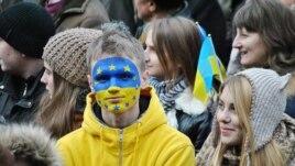 Euromaidan protester in Lviv, 2Dec2013