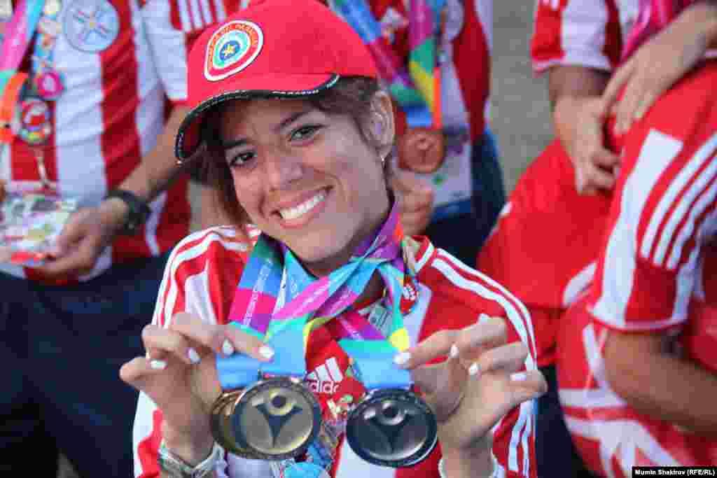 Обладательница золотых и серебрянных медалей Спецолимпиады из Парагвая