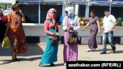 Daşary ýurt walýutasynyň elden söwdasy, Türkmenistan