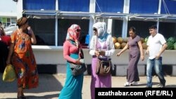 Daşary ýurt walýutasynyň 'gara bazary'