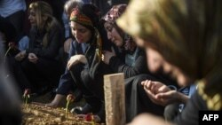 سوگواران قربانیان حملات مرگبار آنکارا
