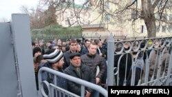 Очереди в крымских военкоматах