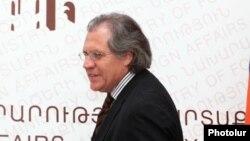 Ուրուգվայի արտգործնախարար Լուիս Ալմագրո, արխիվ