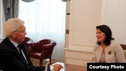 Presidentja e Kosoves bisedon me ish PSSP, Soren Jessen Petersen, 15 Korrik 2013