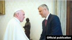 Predsjednik Kosova u susretu sa papom u Vatikanu, 16. juna 2016.