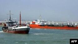 در ماههای گذشته، صادرات نفت خام و میعانات گازی ایران از ۲.۵ میلیون بشکه به حدود ۱.۱ میلیون بشکه رسیده است