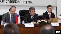 Средба на министерот за економија Ваљон Сарачини и министерот за индустрија и трговија на Чешка Мартин Куба.