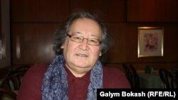 Болат Атабаев.